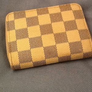 Louis Vuitton AUTHENTIC SMALL WALLET